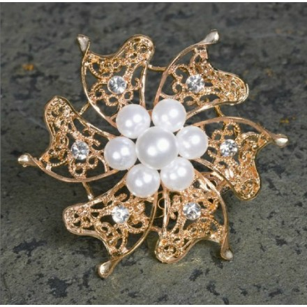 Rose Quartz brooch with Pearls